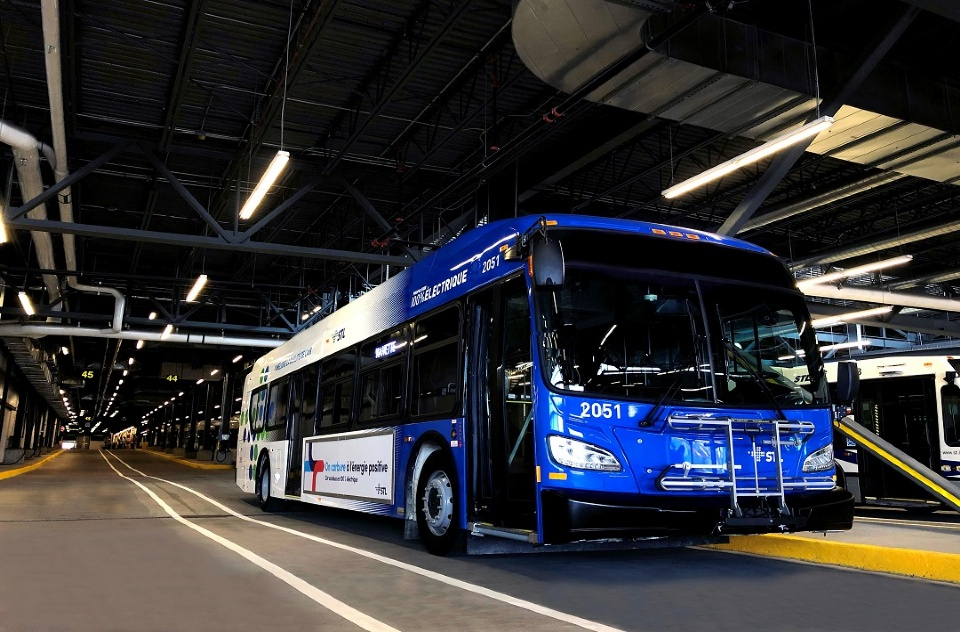 The STL Welcomes its First Electric Bus | Laval Families Magazine | Laval's Family Life Magazine